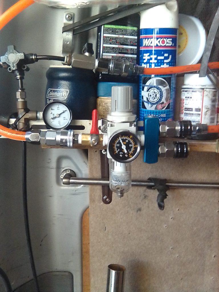 水分除去タンク付レギュレータ