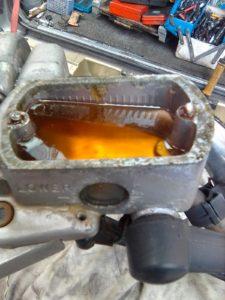 ブレーキタンクのねじ山がなめる修理